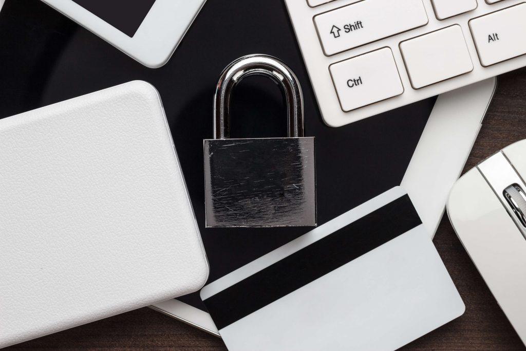 padlock-and-computer-representing-SSL-certificate-auhost4u-article